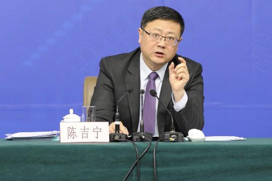 陈吉宁:中国大概有6万多AI人才,近4万在北京